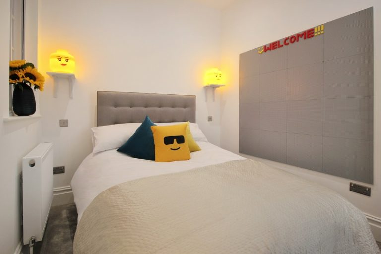 2nd Bedroom with Lego Wall - Margate Airbnb